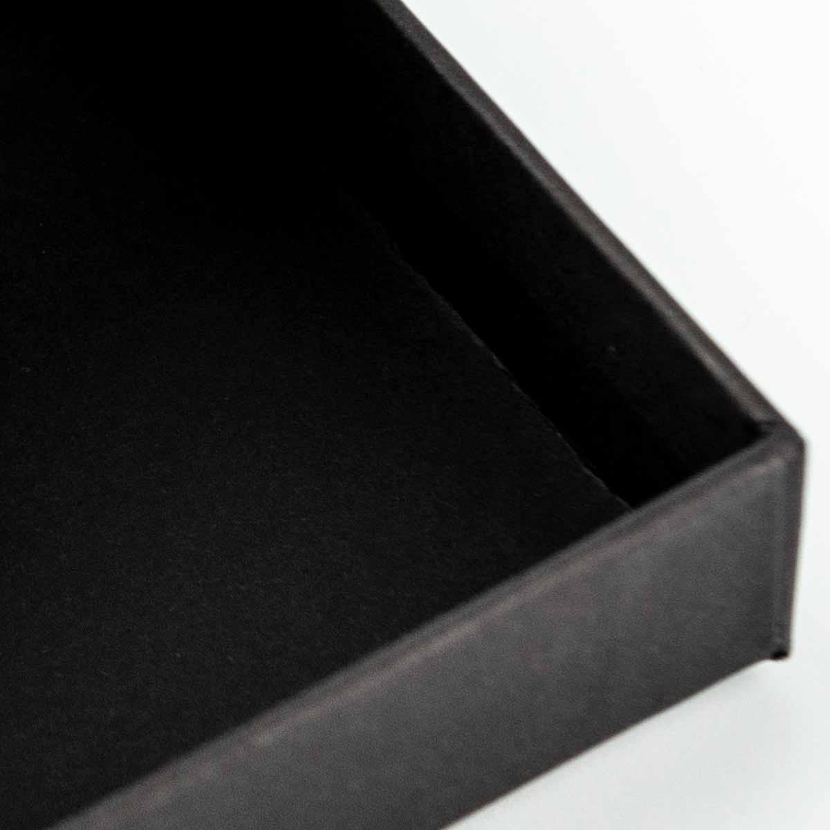 Interno packaging a scatola per calze da donna
